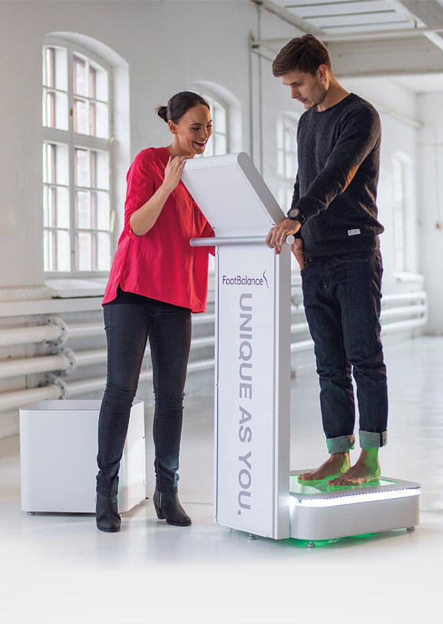 Стелки по индивидуална мярка за спортни и официални обувки